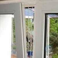 Предпазна решетка за прозорци с двойно отваряне